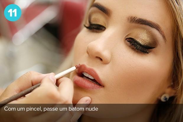 Como maquiagem já tem brilho, aposte em batom nude na boca para não errar (Foto: Marcos Serra Lima/EGO)