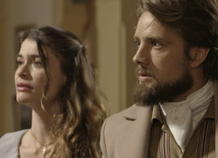 Felipe descobre que Lívia é uma impostora