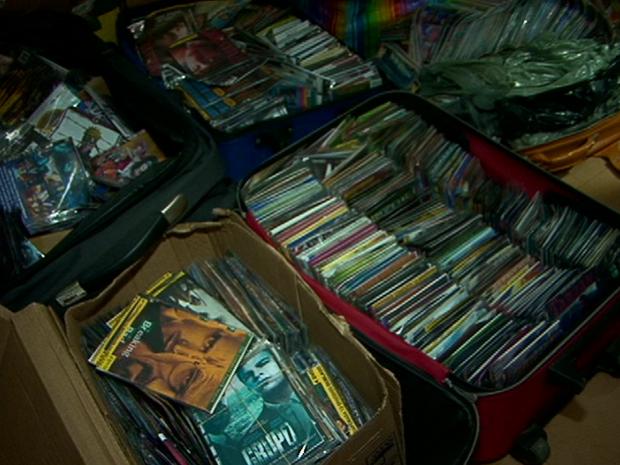 Material apreendido na feira livre (Foto: Reprodução/TV Gazeta)