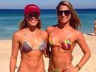Bia e Bianca Feres posam na praia e brincam com semelhança: 'B1 E B2'