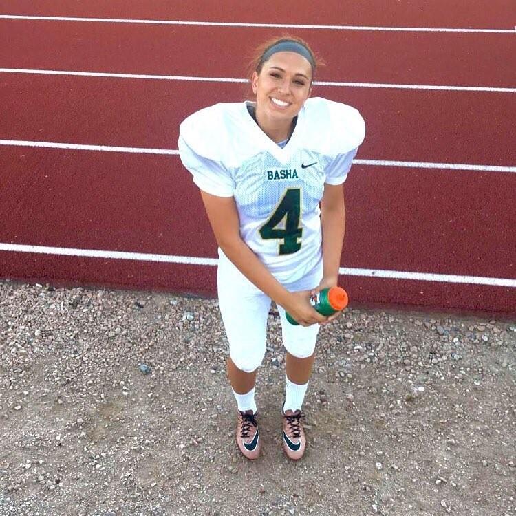 A jogadora Becca Longo, a primeira mulher a receber uma bolsa de estudos para jogar na NCAA. (Foto: Reprodução/Instagram)