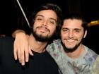 Bruno Gissoni, Rodrigo Simas e outros famosos curtem festa no Rio