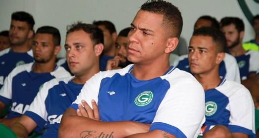 cuca  fraca (Rosiron Rodrigues / Goiás E.C.)