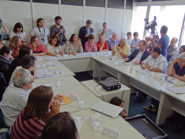 Reunião do Conselho de Desenvolvimento Urbano do Recife (Foto: Luna Markman / G1)