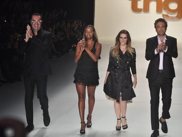 Roberta Rodrigues, Cleo Pires e Domingos Montagner desfilam pela grife TNG no Fashion Rio (Foto: Roberto Teixeira / EGO)