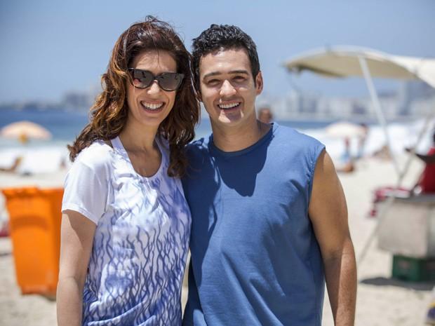Além de Fátima Bernardes, o ator elogia colegas de elenco, como Maria Clara Gueiros (Foto: Raphael Dias/Gshow)