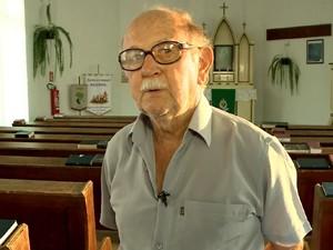 Aposentado Helmut Roll lembra de perseguição em 1942 (Foto: Reprodução/RBS TV)
