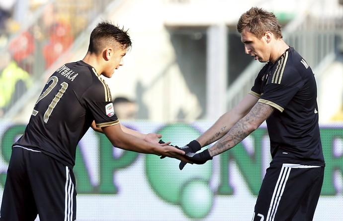 Mandzukic Dybala Juventus Carpi (Foto: Reuters)