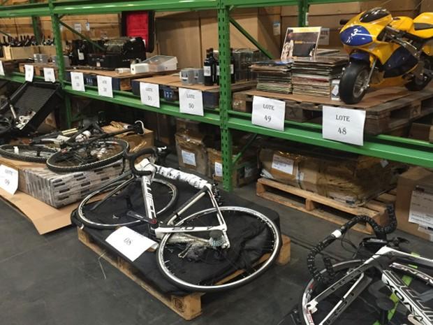 Bicicletas são maioria em meio às mercadorias do leilão (Foto: Divulgação: Receita Federal)