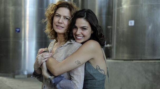 Patricia Pillar e Isis Valverde são mãe e filha em Amores Roubados (Foto: Globo)