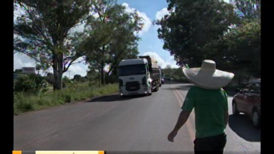 Caminhoneiros fazem protestos em rodovias federais e estaduais do RS