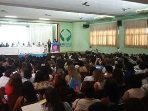 Seminário reúne assistentes sociais, gestores públicos e pesquisadores (Foto: Artur Ferraz/G1)