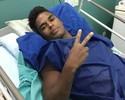 Almir passa por cirurgia no joelho e previsão de retorno é de cinco meses