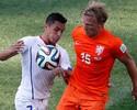 Coringa nas mãos de Van Gaal, Kuyt se sacrifica pela seleção da Holanda