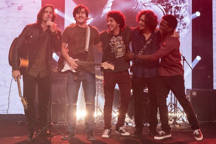 Gui Santiago apresenta a banda 4.4 ao grande público em 'Rock Story' (Foto: Fábio Rocha / Gshow)