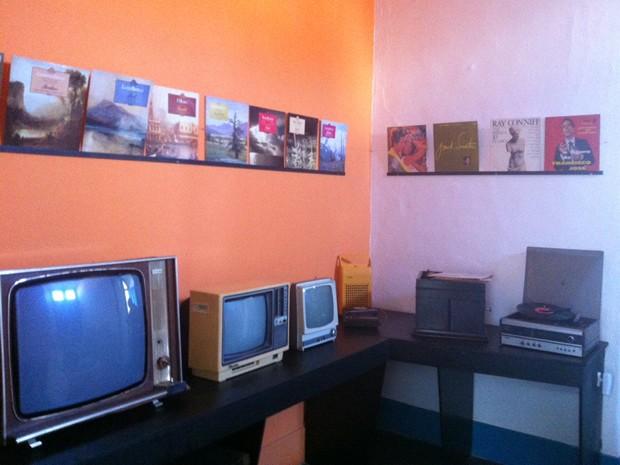 Exposição Coleções Pessoais Seu Renato é atração em agosto no projeto Arte na Capa (Foto: Divulgação/Prefeitura Resende)