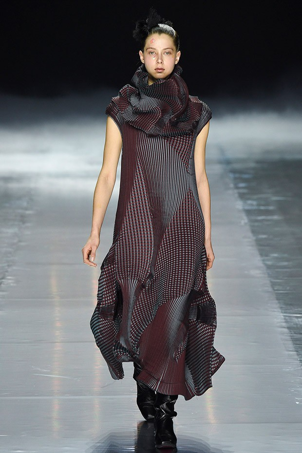 Clothing By Baking It In An Oven By Issey Miyake: #SuzyPFW: Japanese Triumph In Paris - Vogue