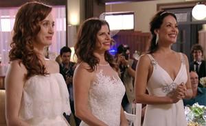 Finalmente Cadinho se casa com Verônica, Noêmia e Alexia (Avenida Brasil/TV Globo)