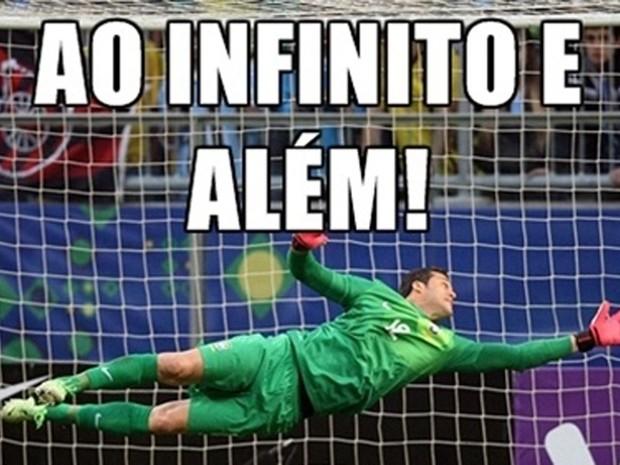 Grandes defesas na disputa de penaltis com o Chile (Foto: Reprodução)