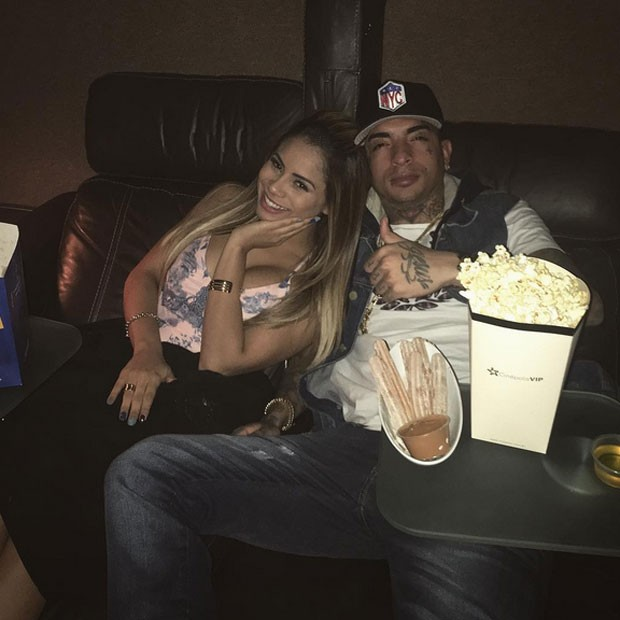 Lexa e o namorado, MC Guimê, em cinema em São Paulo (Foto: Instagram/ Reprodução)