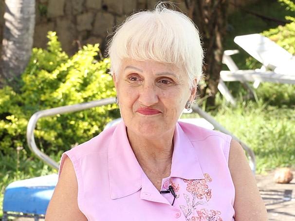 Aos 75 anos, Claire Digonn continua exercendo a profissão (Foto: Nathalia Fernandes)