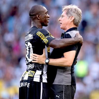 Seedorf e Oswaldo de Oliveira jogo do Botafogo (Foto: Jorge Rodrigues / Agência Estado)