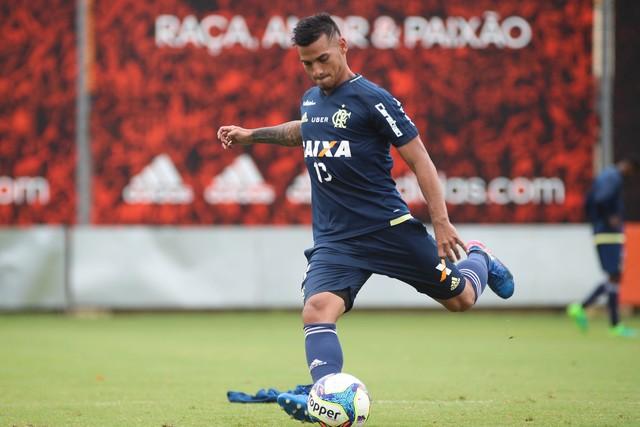 N�o Trauco, n�o vendo nem empresto: Flamengo diz que n�o negocia peruano