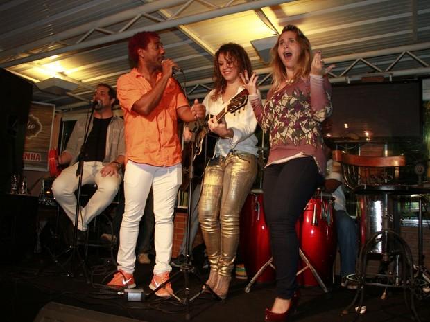 Ivo Meirelles, Luka e Andréia Sorvetão em festa no Rio (Foto: Isac Luz/ EGO)