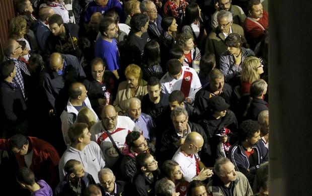 jogo adiado rayo vallecano e real madrid estádio de vallecas (Foto: Agência EFE)