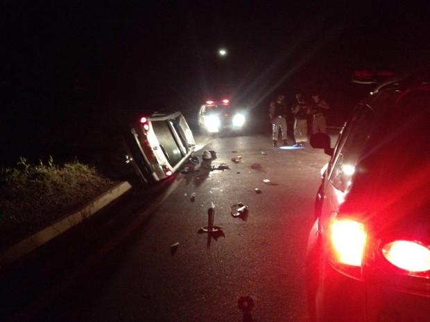 acidente BR-262 Nova Serrana (Foto: Policia Militar/ Divulgação)