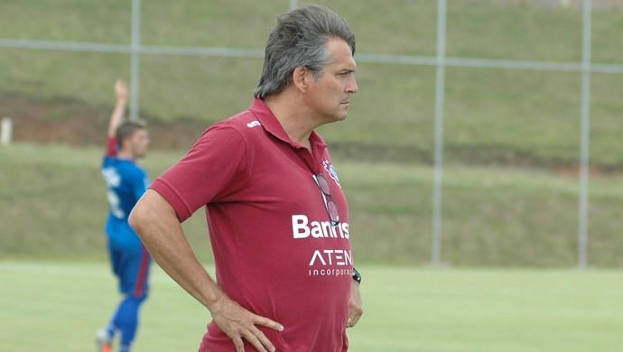 Luiz Carlos Winck técnico Caxias (Foto: Rafael Tomé / Caxias / Divulgação)