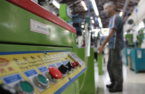 G1 - Produtos da China ganham espaço na indústria de calçados em ... f20a36cbbf78a