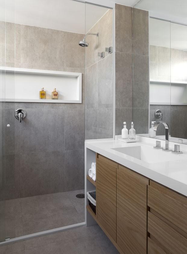 13 banheiros neutros com acabamentos elegantes (Foto: Divulgação)