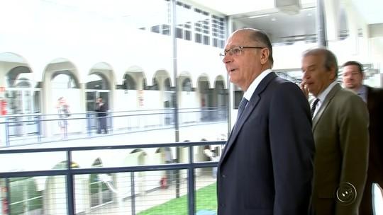 Rebelião em presídio de Bauru foi 'questão isolada', diz Alckmin