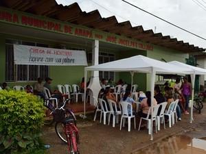 Professores em greve na sede da prefeitura do município de Amapá (Foto: Jackeline Abreu/Arquivo Pessoal)