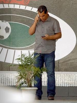 Zinho no CT do Flamengo (Foto: Marcos Tristão / O Globo)