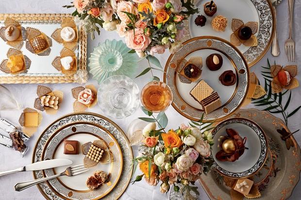 Em vez de ter um único fornecedor, as mesas de doces agora contemplam os carros-chefes de diferentes marcas – e o décor garante a harmonia entre as guloseimas (Foto: Xico Buny)