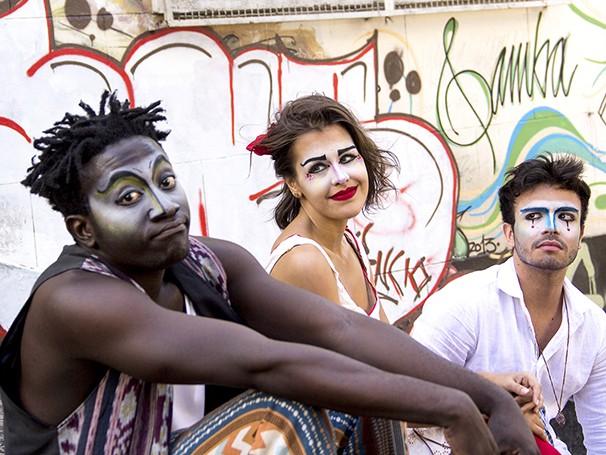 Trio de personagens leva o público a passear numa história de transformação (Foto: Divulgação)