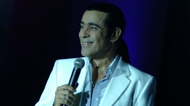 Elymar Santos canta sucessos para o público a partir das 17h (Foto: Divulgação)