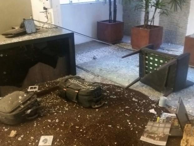 Segurança diz que ajudou advogado ferido em explosão e diz: 'Me assustei' em Goiás (Foto: Reprodução/TV Anhanhguera)