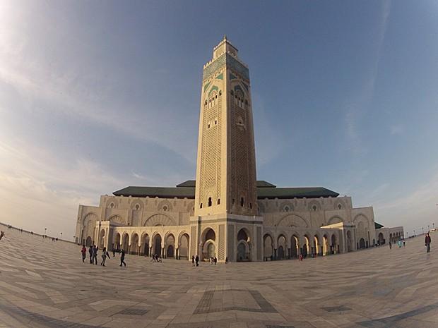 Mesquita Hassan II, em Casablanca, em grande angular (Foto: Rafael Queiroga/Arquivo pessoal)