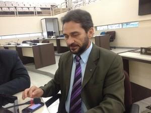 Deputado Keka Cantuária (PDT), relator da LDO (Foto: John Pacheco/G1)