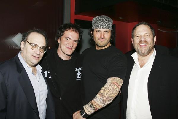 Os produtores de cinema e irmãos Bob Weinstein e Harvey Weinstein com os cineastas Quentin Tarantino e Robert Rodriguez (Foto: Getty Images)