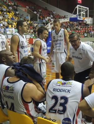 Paco destacou empenho da equipe para vencer a terceira seguida (Foto: Vitor Geron)
