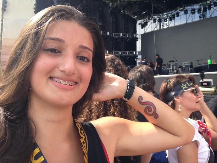 Bianca Delazeri tatuou S de Luan Santana no antebraço (Foto: Hygino Vasconcellos/Gshow)