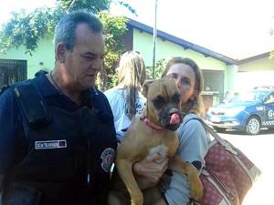 Regiane Mauer Berg conseguiu a tutela de Quyara e a levou para casa (Foto: Ana Brandão/Arquivo pessoal)
