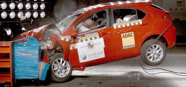JAC J3 em crash test realizado pelo Latin NCAP (Foto: Divulgação/Latin NCAP)