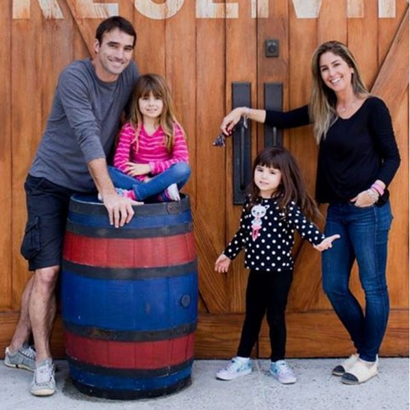 Patricia Maldonado com a família: há 1 ano morando em Orlando (Foto: Reprodução - Instagram)