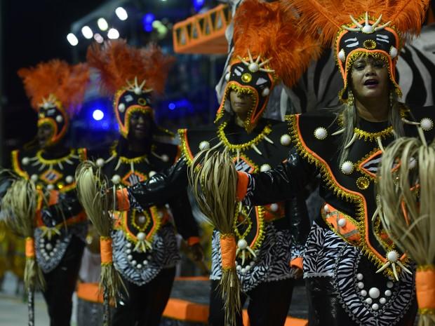 Imperatriz do Forte levou a África ao Sambão do Povo (Foto: Marcelo Prest/ A Gazeta)