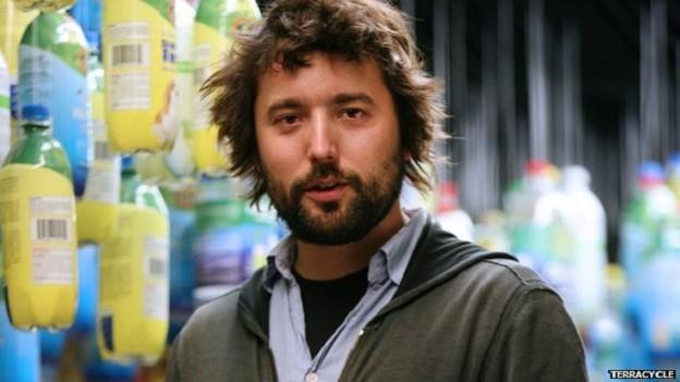 Tom Szaki deixou a universidade para se dedicar ao projeto da TerraCycle, hoje um negócio milionário (Foto: TerraCycle/BBC)